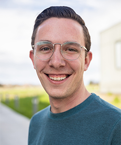 Graduate student Craig Ennis received a NIH fellowship.